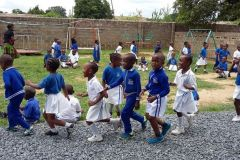 Najmłodsi-na-zajęciach-gimnastycznych