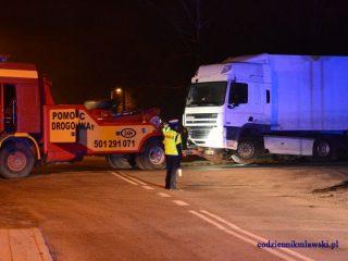 Wywrócona ciężarówka na DK nr 7 w Mławie