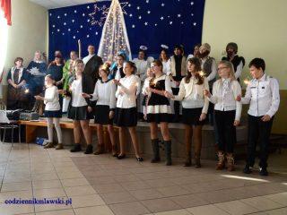 """""""Narodziny Jezusa"""" – jasełka w Szkole Podstawowej w Łomi"""
