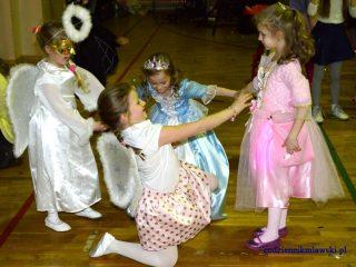 Szkolny bal karnawałowy w Szkole Podstawowej Nr 1 w Mławie