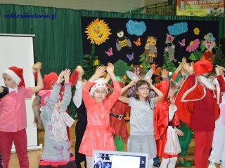 Radości, zabawom i tańcom niech nie będzie końca, a choinka szkolna w Dzierzgowie niech trwa aż do wschodu słońca