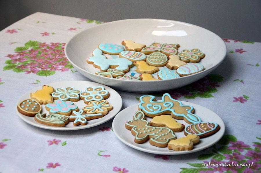 Prosty przepis na ciasteczka wielkanocne kruche ciasteczka na Wielkanoc jak zrobić ciasteczka na Wielkanoc zdobienie ciastek wielkanocnych pyszne proste ciasteczka na Wielkanoc
