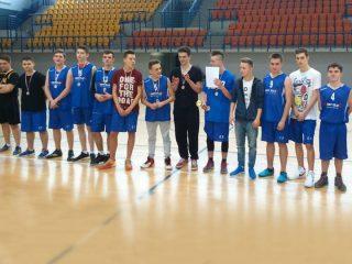 Koszykarze z Gimnazjum nr 2 wicemistrzami rejonu ciechanowskiego