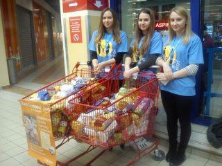 130 wolontariuszy przez dwa dni zbierało żywność dla potrzebujących