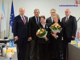 Przedstawiciele mławskiej służby zdrowia odznaczeni medalami
