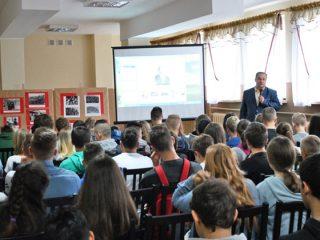 Podróż po historii naszego regionu w Gimnazjum nr 2 w Mławie