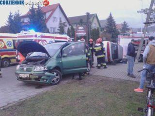 Zderzenie na Szpitalnej. Dwójka małych dzieci trafiła do szpitala w Ciechanowie