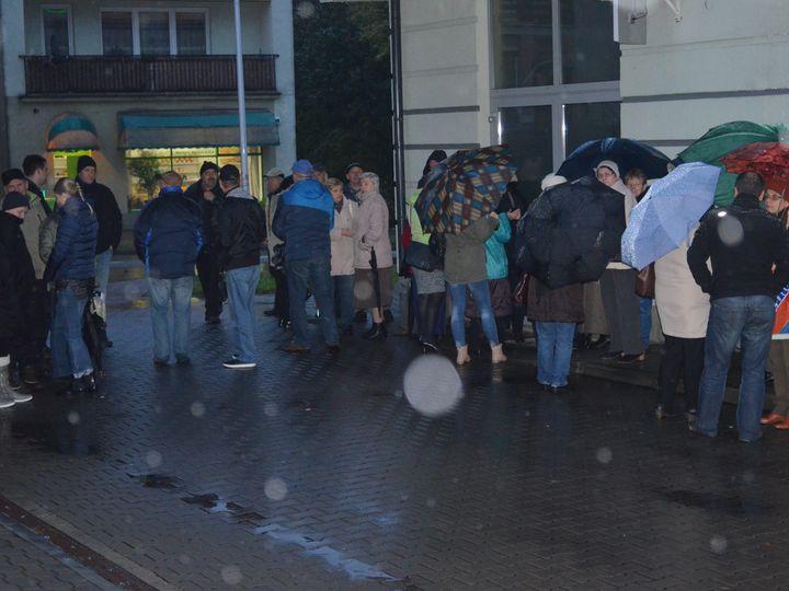 Ogromne kolejki przed oddziałem PBS w Mławie. Klienci wycofują depozyty