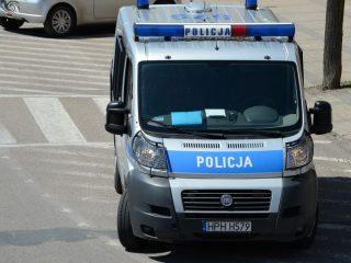 Strzegowo. Zmarł 34 – letni mężczyzna znaleziony  na chodniku