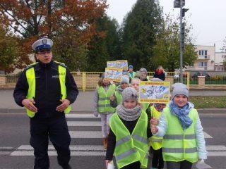 W Turzy Małej i Lipowcu kierowcy dostali od dzieci ulotki