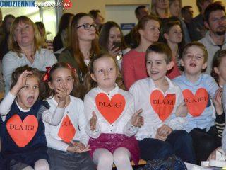 Macierzysta szkoła zagrała koncert dla Igi