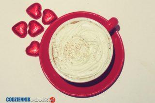 Rozgrzej swoją walentynkę – przepis na gorącą czekoladę