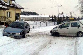 KU PRZESTRODZE – zdarzenie drogowe w Woli Kęczewskiej