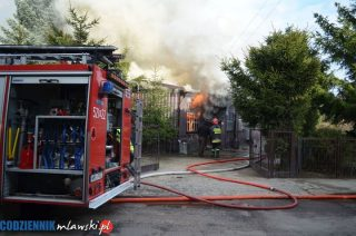 Całkowicie spłonął drewniany dom na Okólnej, dach drugiego jest nadpalony. Aktualizacja