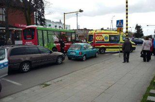Nieostrożny kierowca na ulicy Sienkiewicza