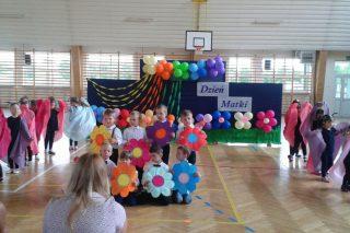 Dzień Matki w Zespole Szkół w Wieczfni Kościelnej