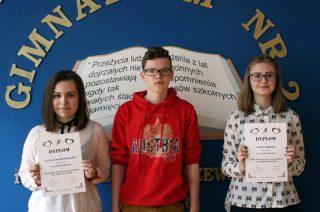 """Gimnazjaliści z """"Dwójki"""" miażdżą!!! Zgarnęli wszystkie miejsca na podium w prestiżowym konkursie lingwistycznym w Zespole Szkół nr 4"""