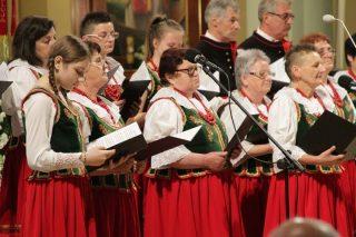 Zespół Dąbkowiacy zaśpiewał w Ciechanowie