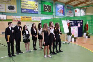 Apel z okazji Rocznicy Uchwalenia Konstytucji 3 Maja oraz Święta Flagi w Gimnazjum nr 2 w Mławie