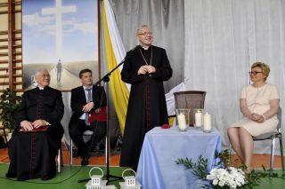 """Biskup Piotr Libera w mławskim """"Ekonomiku"""""""