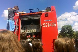 Z myślą o bezpiecznych wakacjach – młodzież Gimnazjum nr 1 w Państwowej Straży Pożarnej w Mławie