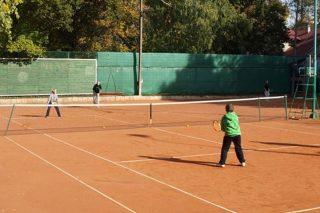Rozpocznij przygodę z tenisem!