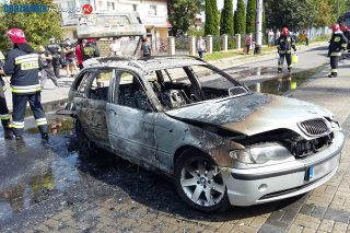 Na ulicy Torfa Załęskiego spłonęło BMW