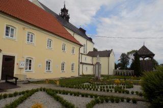 2,3 mln zł dla Zespołu klasztornego w Ratowie na termomodernizację