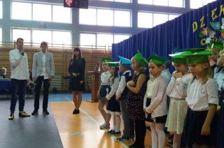 Wczoraj przedszkolaki, dzisiaj już pierwszaki! – uroczystość w Szkole Podstawowej nr 2