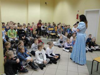 Wieczfnia Kościelna: Bajkopisarka i ilustratorka, Edyta Zarębska, spotkała się z małymi czytelnikami