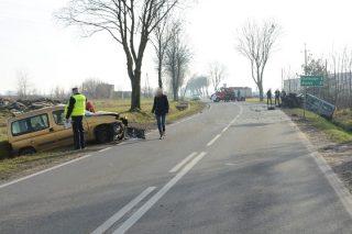 Trzy kierowniczki z ZUS w Mławie i kierowca ranni w wypadku samochodowym