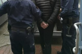 Mławska policja zatrzymała 18 – latka. W domu miał 46 porcji marychy