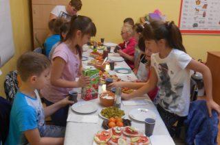 """""""Śniadaniowa Misja"""" w Szkole Podstawowej w Dębsku"""