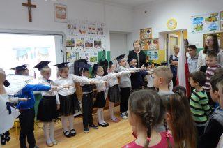 SP w Zawadach. Niedawno przedszkolaki – dziś już pierwszaki