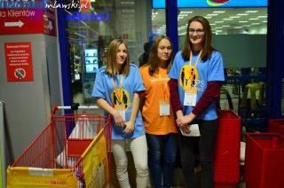 Do koszyków wolontariuszy trafiło 2,3 tony żywności