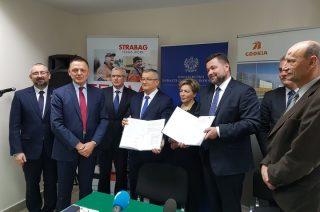 W Mławie podpisano umowy na budowę dwóch odcinków trasy S7