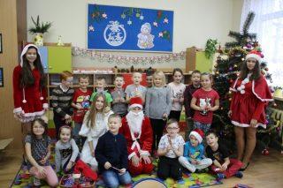 Spotkanie z Mikołajem, Elfami i Śnieżynkami w SP 3