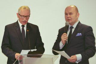 """Skarbnik  miasta ostrzega burmistrza i radnych: to """"życie ponad stan"""" i niefrasobliwość"""