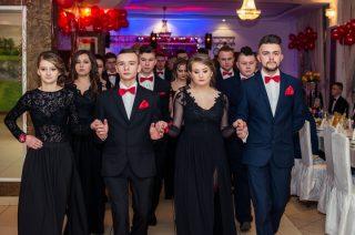 Bal studniówkowy licealistów w Radzanowie