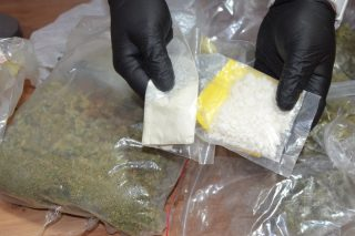 U trzydziestopięcioletniego mieszkańca Mławy znaleziono 1,5 kg narkotyków