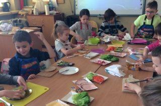 Zdrowe i pyszne śniadania u pierwszaków w  SP 3