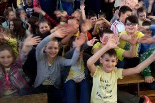 Życzenia dla stulatki, turniej historyczny i pokaz talentów na Dzień Samorządności