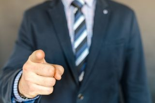 Na zwolnieniu lekarskim pracujesz lub wyjeżdżasz na urlop? ZUS cię skontroluje
