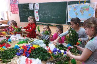 Wielkanocne warsztaty w Szkole Filialnej w Grzebsku