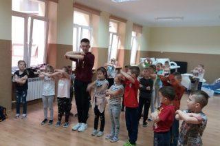 Ruch i taniec zamiast tabletu i komórki  u przedszkolaków w SP 3
