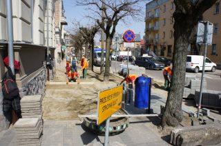 Trwa przebudowa chodnika na Żeromskiego