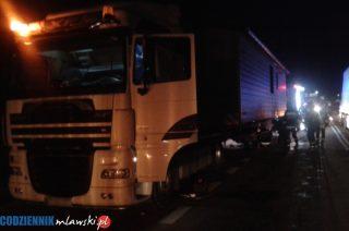 Nocny pożar ciężarówki w Nosarzewie Borowym
