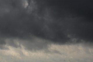 IMGW ostrzega: burze z gradem na Mazowszu.