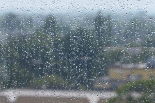 Do wieczora rozproszone burze z deszczem