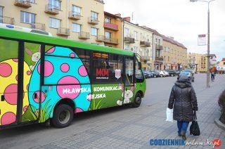 Kolorowy, wielkanocny autobus MKM